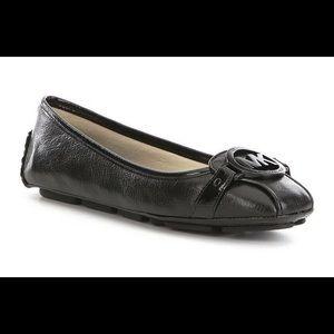NIB Michael Kors Fulton Leather Flats, Black